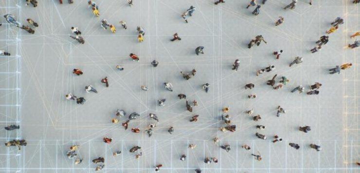 Comunidades en línea, cultura en la calle